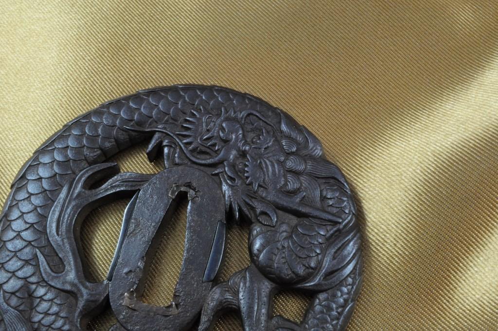 Echizen Dragon tsuba (4)