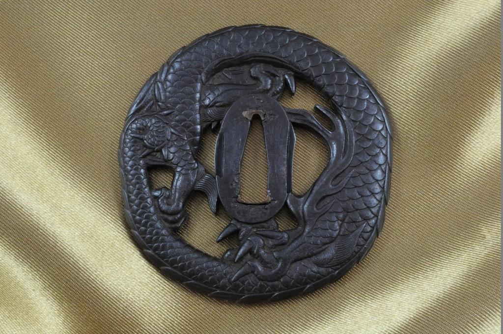 Echizen Dragon tsuba (5)
