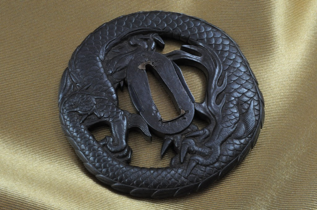 Echizen Dragon tsuba (7)