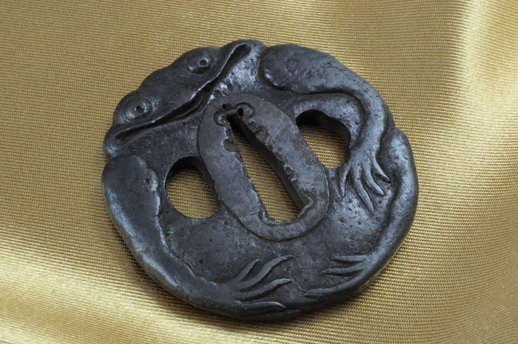 Frog tsuba (3)
