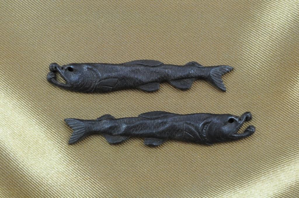 salmon menuki (1)
